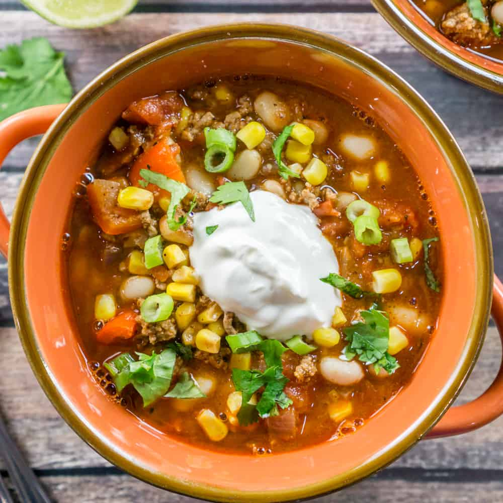 Make this Southwestern White Bean Chili recipe that your whole family will love! It is a quick and easy recipe that works for a weeknight meal, and special enough chili for a Sunday dinner.
