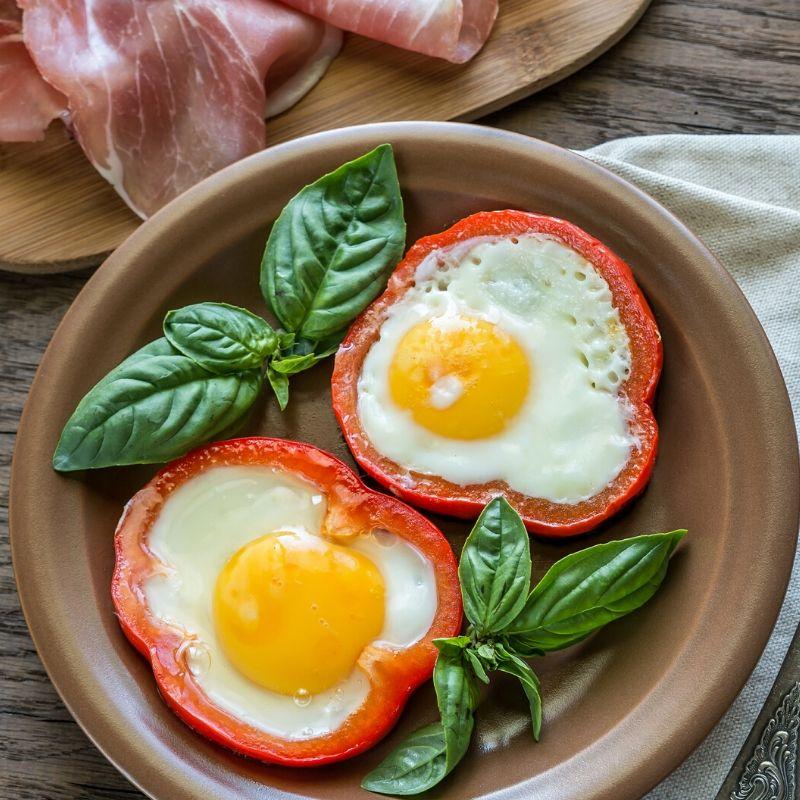 bell pepper egg rings - eggs in a hole