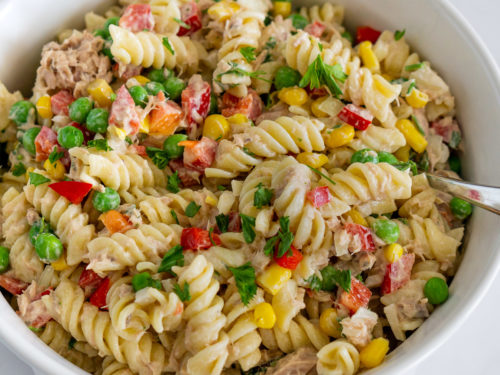 Easy Tuna Pasta Salad With Peas And Vegetables Babaganosh