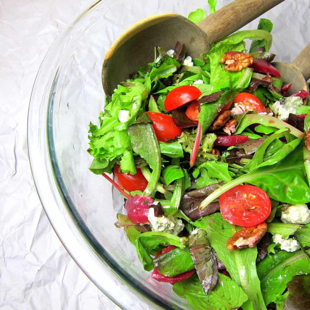 beet and bleu cheese salad
