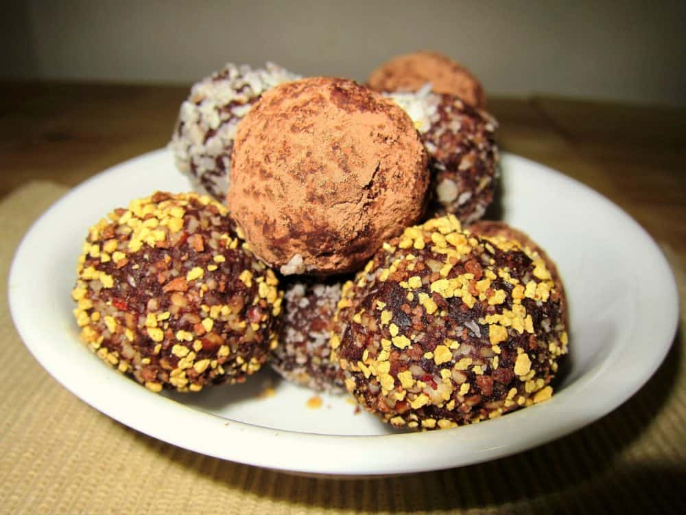 Healthy Dark Chocolate Truffles