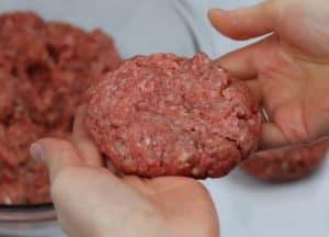 forming venison burger patties