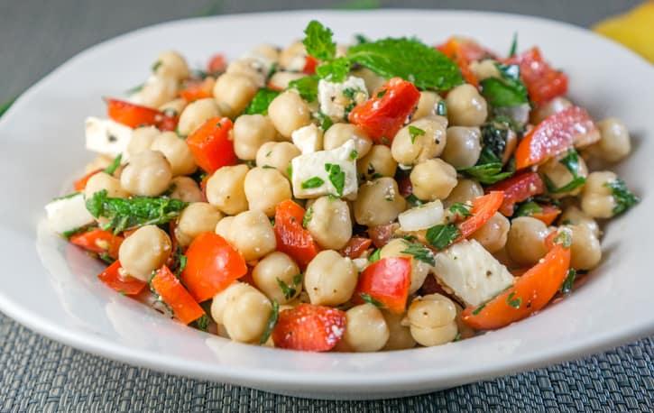 summer chickpea salad