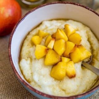 Breakfast Grits with Caramelized Peaches