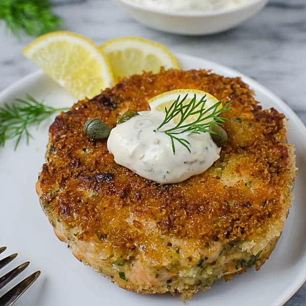 crunchy smoked salmon cakes - lox recipe roundup