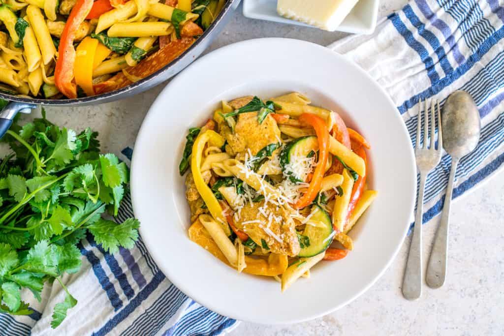 veggie-loaded creamy chicken fajita pasta