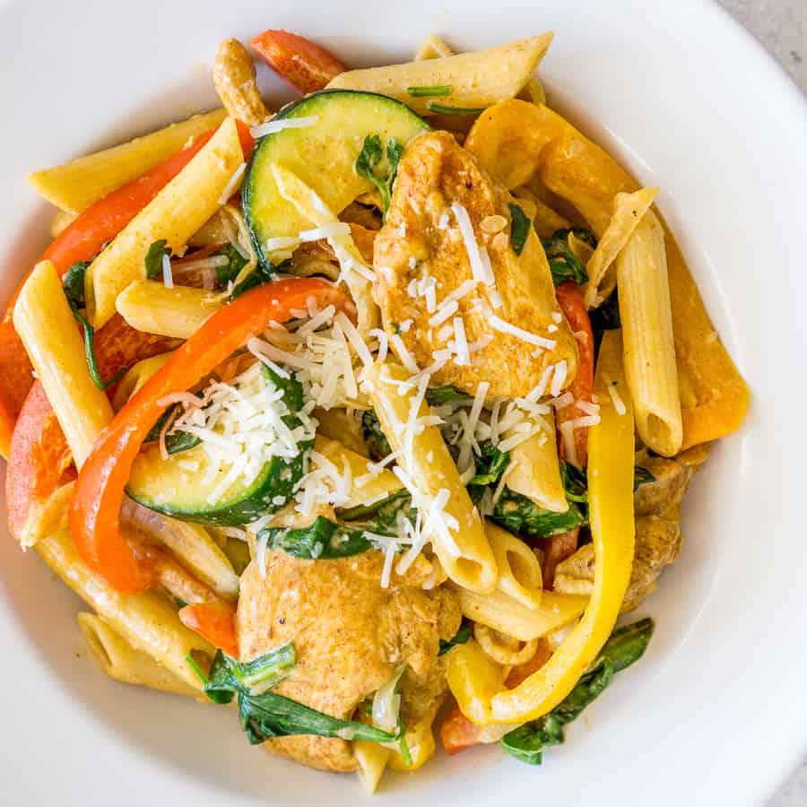 creamy chicken fajita pasta with vegetables