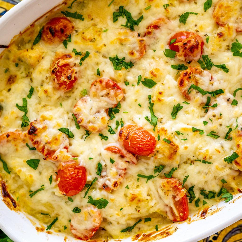 spaghetti squash with alfredo sauce casserole