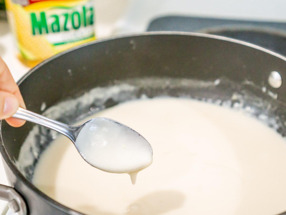 skinny alfredo sauce in a pan