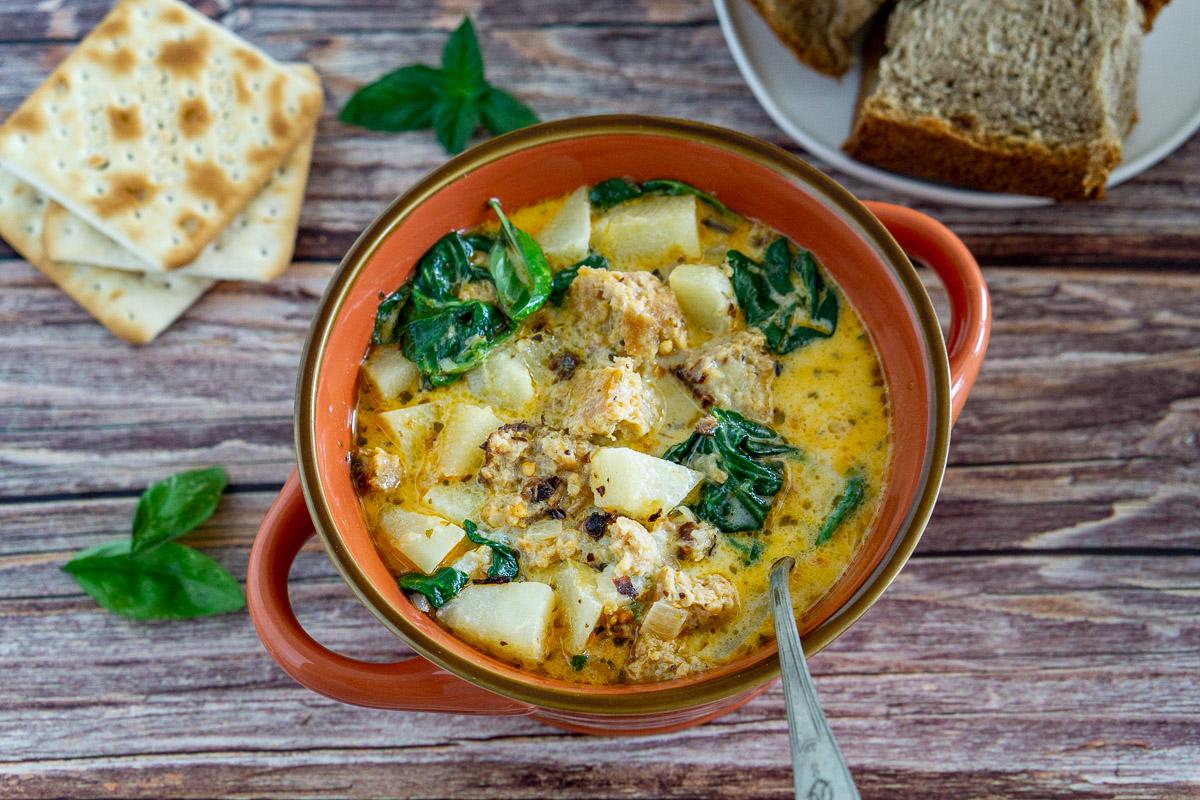 vegetarian zuppa toscana in a bowl