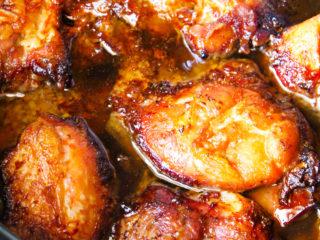 honey garlic chicken in a crock pot