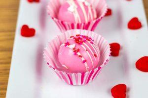 easy valentine's day dessert - hot cocoa bombs